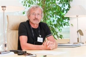 Vse od karizmatičnega vodenja do zdravstvene reforme v Sloveniji – intevju s prof. dr. RajkomKendo