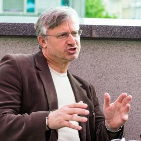 Psihopati, delovno okolje in družba – Intervju z dr. UrbanomVehovarjem