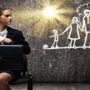 Mlade mamice – zgolj mamice ali tudizaposlene?
