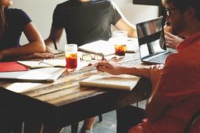 Milenijci – kot da bi v podjetje prispelimarsovci
