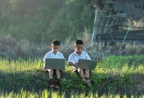 Tele-terapevti, digitalni arheologi in kajše?