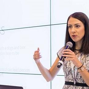 Ko se srečata športna in organizacijska psihologija ter Slovenija in svet – intervju z EvoKovač