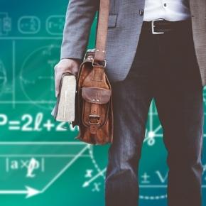 Delovna zavzetost učiteljev v povezavi z osebnostjo in samoučinkovitostjo