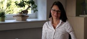 COACHING – vse bolj razširjena metoda za razvoj na poslovnem in osebnem področju: intervju z LidijoKosaber