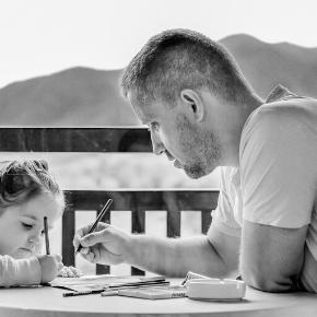 Kako kar najbolje združiti vlogo starša in delavca oddoma?