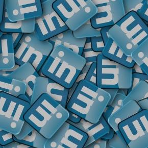 """Kaj če me potencialni delodajalec """"pogoogla""""? Sedem korakov do boljšega LinkedInprofila"""