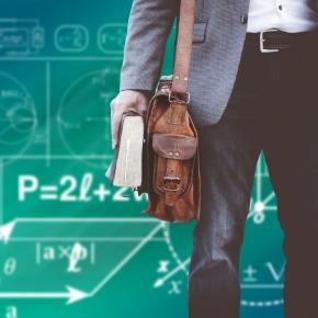 Kakšen je odnos učiteljev do uporabe informacijsko-komunikacijske tehnologije pripouku?